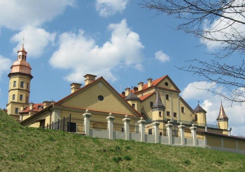 Название: 1336396904_zad-dvorca.jpg Просмотров: 482  Размер: 76.2 Кб