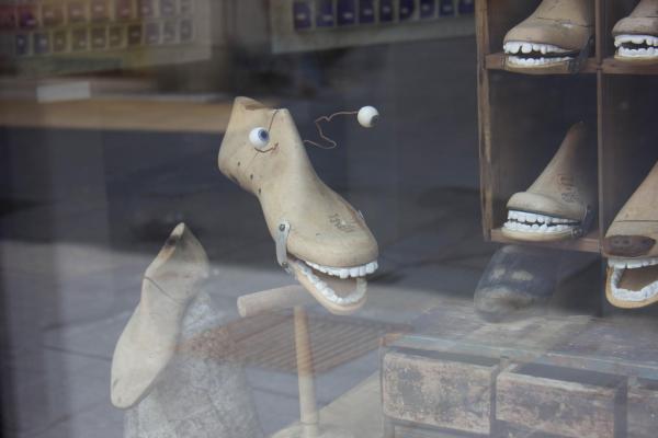 Название: image (2).jpg ботинки с зубами.jpg Просмотров: 202  Размер: 23.0 Кб